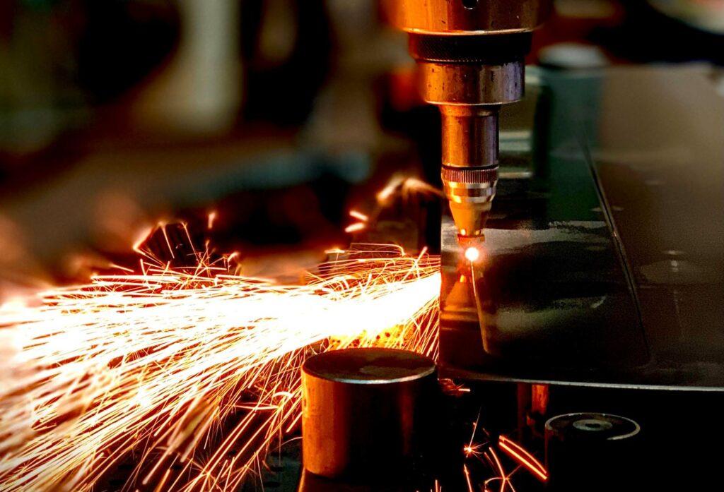 BLS Lasertechnology Laserschneiden Platine